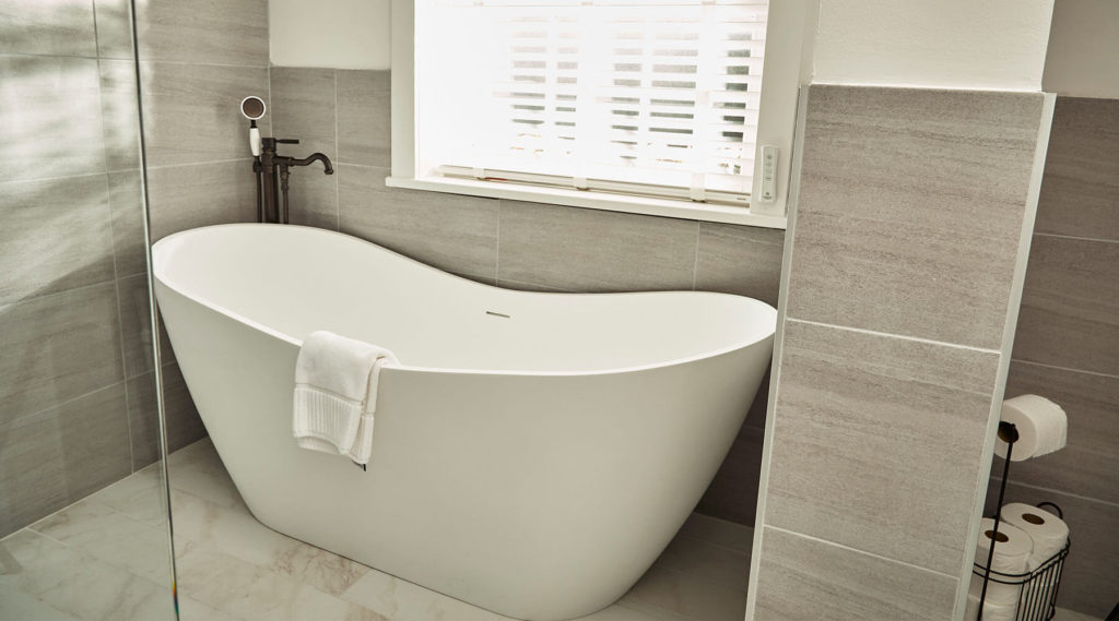 Garden Cottage free-standing soaker tub