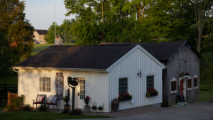 garden cottage side view